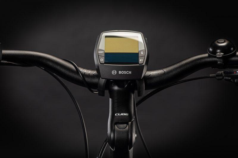 cube touring hybrid pro 625 blacknwhite 013